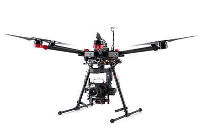 Dron DJI M600 - 1