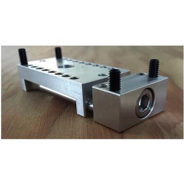 Strojní svěrák pro Pocket NC - 1