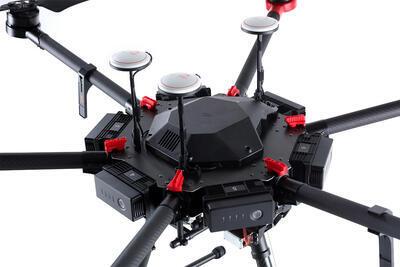 Půjčovna - Dron DJI M600 Pro s pilotem - 3