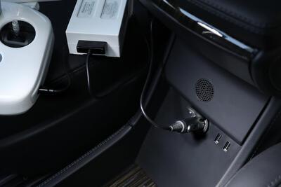 Nabíječka do auta pro modelovou řadu dronů DJI Phantom 4 - 4